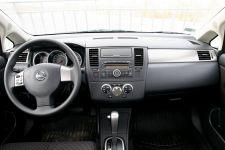 обзор Nissan Tiida